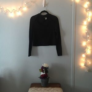 H&M Divided Long Sleeve Crop Top Black | Size M